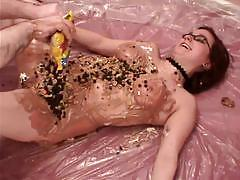 Juicy babes uses food for blowjob and fucking.