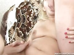 Chubby mature blonde threesomed