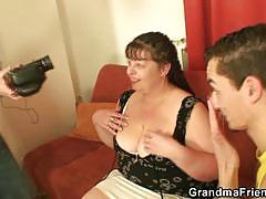 Bbw brunette milf gives two horny dudes some head
