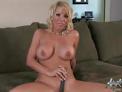 Sexy angie savage toying her pussy