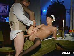 Maid jessyka swan serves her employer her ass hole