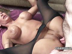 Leeanna heart's mature fanny gets some cock
