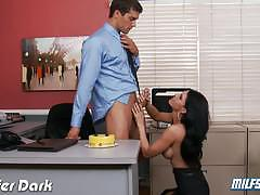 Salacious jennifer dark needs cock at the office