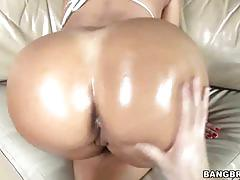 Colombian ass bouncing hard in this rough sex