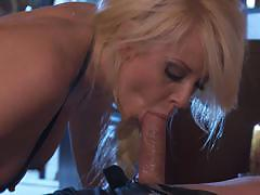 Hot blonde courtney taylor gets banged very hard