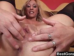 Blonde milf enjoys anal creampie