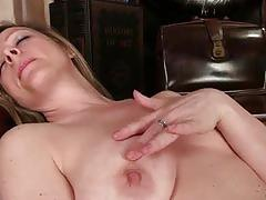 Glamorous cougar louise pearce rubbing her rosebud