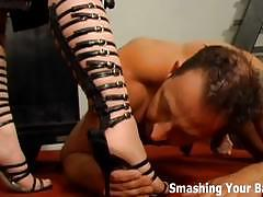 Completely obeying to mistress aurianna
