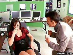 Unproductive secretary jennifer white face fucked