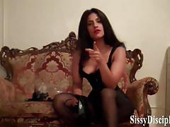 Sexy dominatrix loves to humiliate scared sissies
