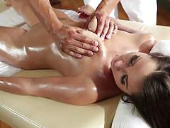 Lola foxxx and rio lee fresh bodies covered in oil