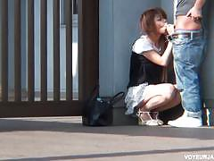Japanese girl takes it doggy style on the street