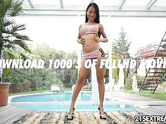 Brunette asian teen pussykat fucked by a machine.