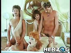 Watch this sexy babes fucking in vintage porn