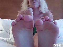 Nasty dommes provoke you with their feet