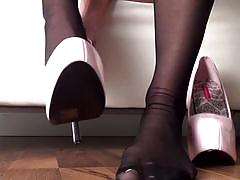 babe, stockings, solo, posing, beauty, pantyhose, teasing, foot fetish, glamour