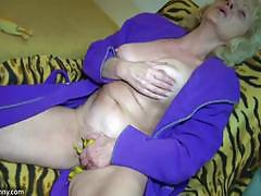 Horny chubby granny likes rubber cock in her pussy