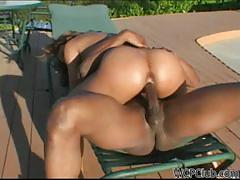 Ebony milf jemeni fucks by the poolside