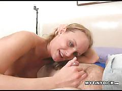 Pornstar leah wilde blowing a tiny dick on the bed