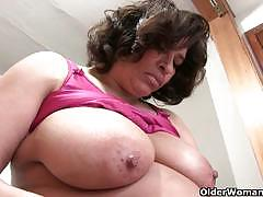 Fannie with big natural tits pleasuring herself
