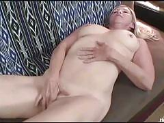 Nympho mature anabella having fun on her sex toys