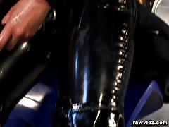 Latex lesbos strapon fuck