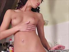 Nelli hunter pleasures her own wet pussy
