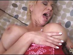 Isabella rossa enjoys black dong