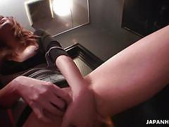 Asian whore fingers herself