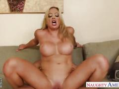Hot girlfriend mia lelani gets fucked