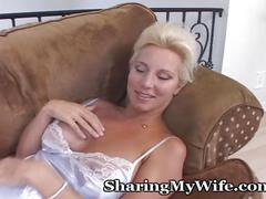 Wifey thinks of ex boyfiend while masturbating