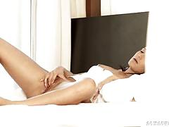 Cindy carson masturbating alone
