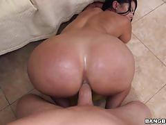 Diamond kitty penetrated in her ass and pussy