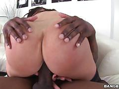 Nikki benz crams a black dick into her wet minge