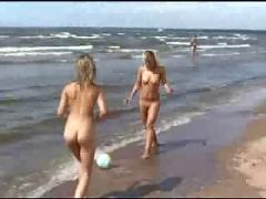 Beach nudist 0137 - summer 2007 iii-iii