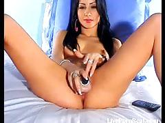 Hot brunette shows us how she fucks herself1.flv