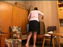 Russian milf seduces movers