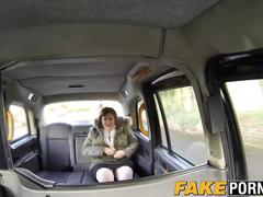 Chubby laura enjoys taxi drivers dick inside her big pussy
