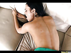 Perky tits amateur college girl fucked!