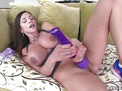 Busty brunette milf ariella ferrera rammed in her chilli ring