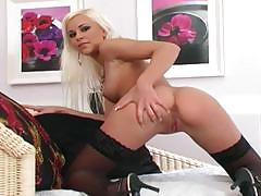 Gorgeous lola myluv plays with her moist slot