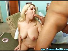Blonde amateur bounces on this stiff shaft