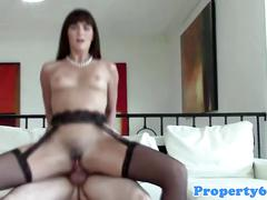 Amateur realtor throats in homemade vid