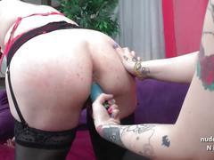 Ffm chubby french emo sluts sharing a cock