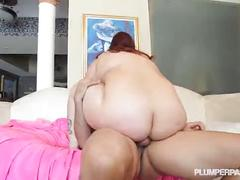 Sexy newbie phoenixxx bbw fucks hung friend in the pool