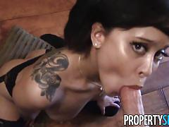 Cute petite realtor wants to be fucked