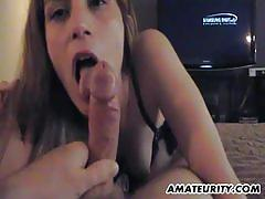 Amateur girlfriend sucking dick