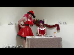 Kinky christmas elves masturbate in santa's grotto