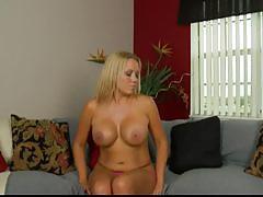Tara star teasing her clit