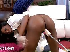 Ebony amateur montana starr takes on fuck machine